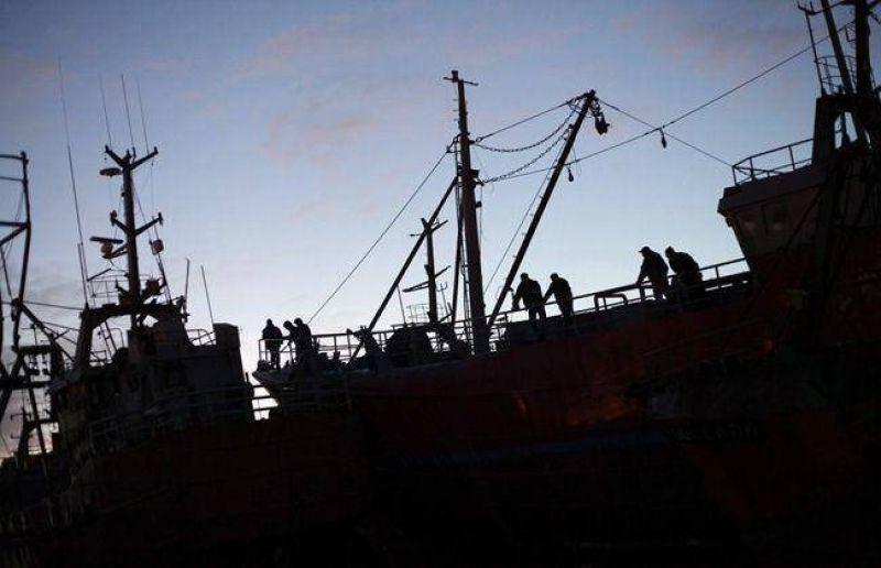 Marineros de la flota costera levantan medida de fuerza hasta enero de 2013