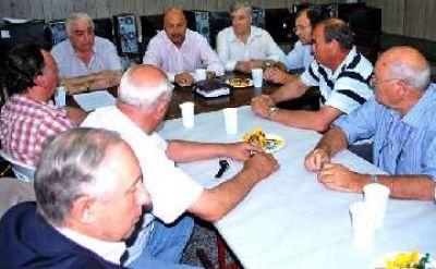Intendentes de la Región II se reunieron en Larroudé