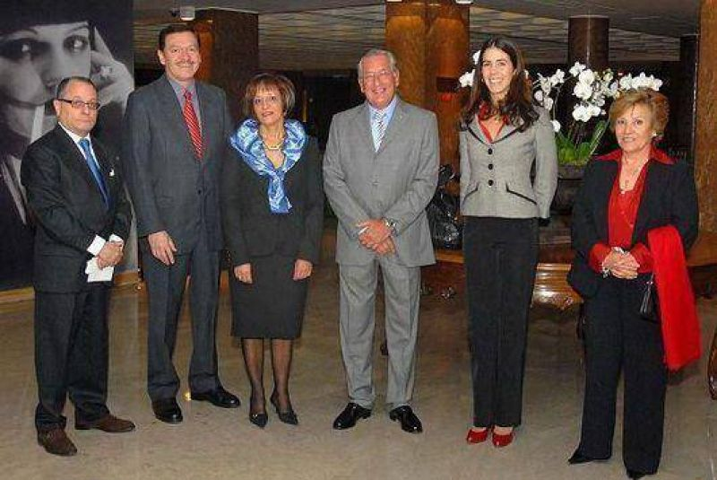 Fellner contin�a en Portugal