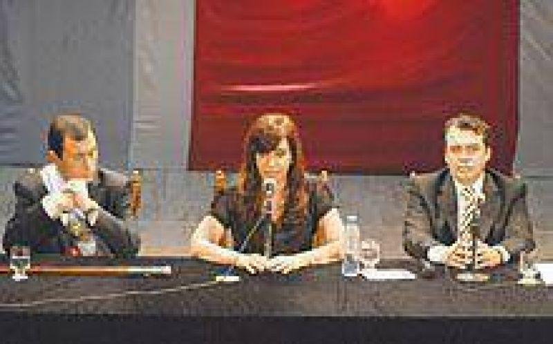 """""""La provincia tendrá el respaldo del gobierno de la República""""."""