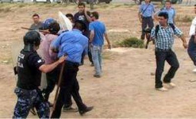 Detienen al gremialista Carlos Laciar en un desalojo de tierras fiscales