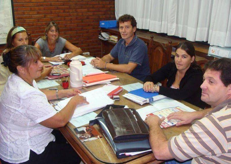 El Consejo Escolar modifica la forma de designar auxiliares