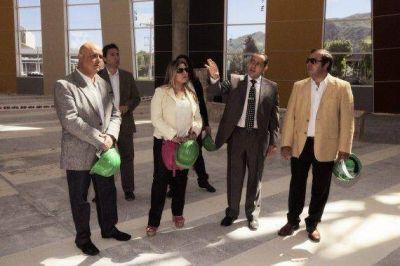 Dirigentes políticos de la oposición visitaron la nueva terminal
