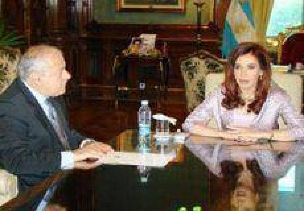 Arturo también discrepa con Cristina por fondos.