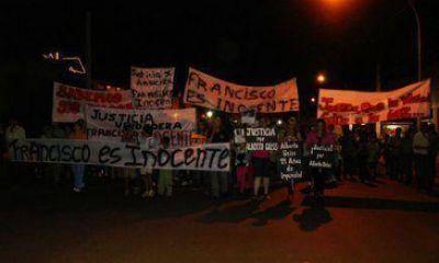 Crimen de Angélica: en medio de disturbios, trasladaron al panadero a Posadas