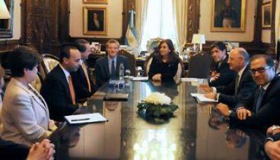 Cristina recibió a parlamentarios estadounidenses en la Rosada