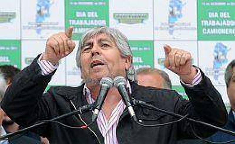 Moyano ratificó el paro, pero mantiene duda sobre su presencia en la marcha