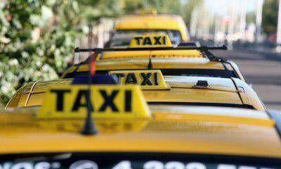 """No se pueden secuestrar taxis """"truchos"""" porque no hay lugar para depositarlos"""