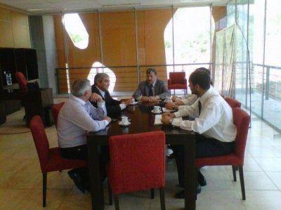 Padula y funcionarios de Transporte se reunieron con el presidente de Transpuntano