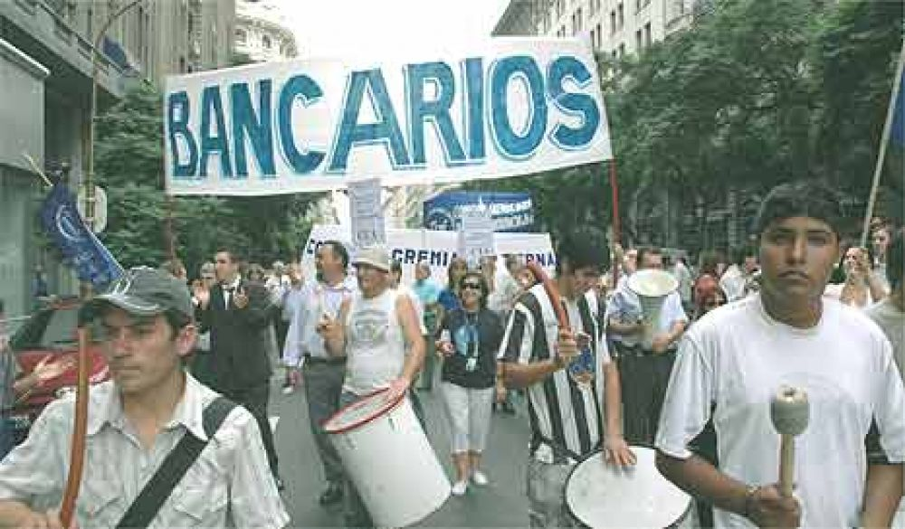 La Bancaria quiere poner un piso del 25% a las paritarias de 2013