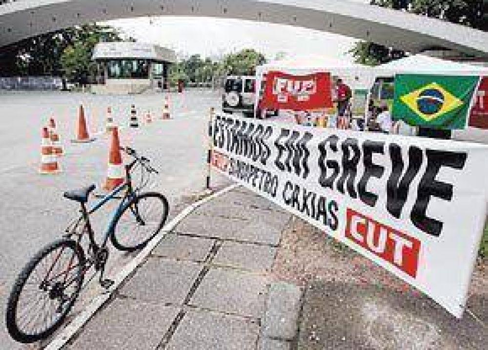Una huelga paraliza los pozos y las plataformas de Petrobrás