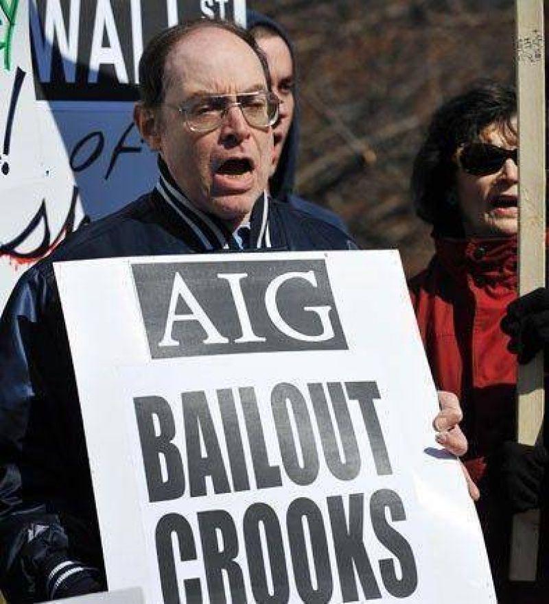 AIG: empiezan a devolver los millonarios bonos