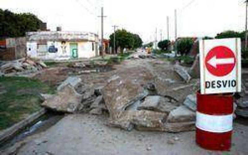 Para las calles de la ciudad: El municipio licitó mas obras de bacheo de hormigón