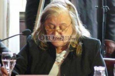 A Sesto de Leiva no le interesa conocer las críticas de los diputados
