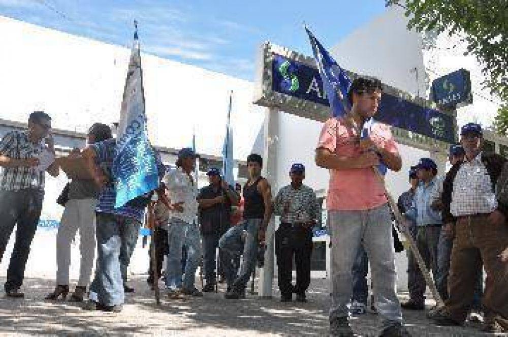 Productores rechazan la suba salarial a rurales