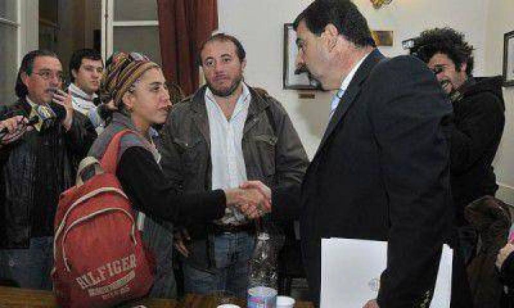 Los gremios no quieren que Pérez ponga un techo a los aumentos salariales 2013