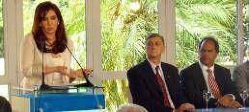 Binner propone una reforma fiscal a cambio de suspender retenciones