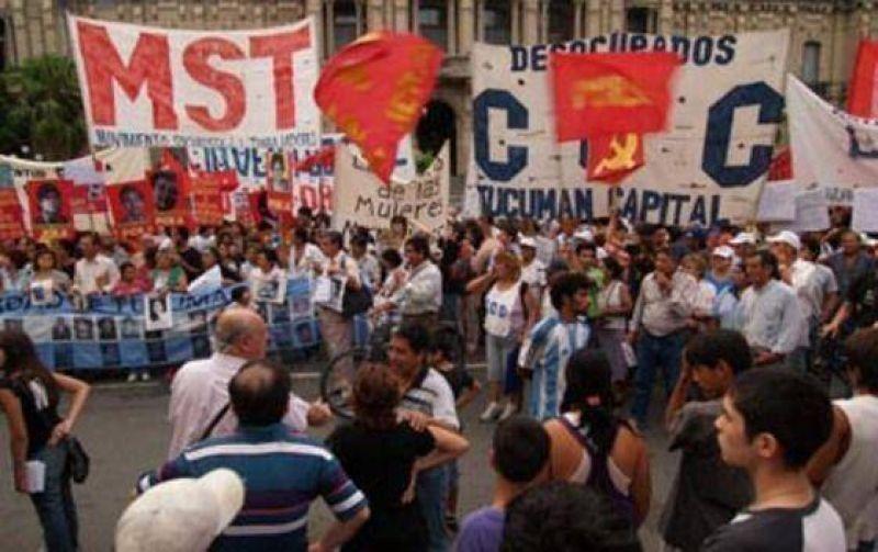 Emotivo homenaje a las víctimas de la dictadura militar.