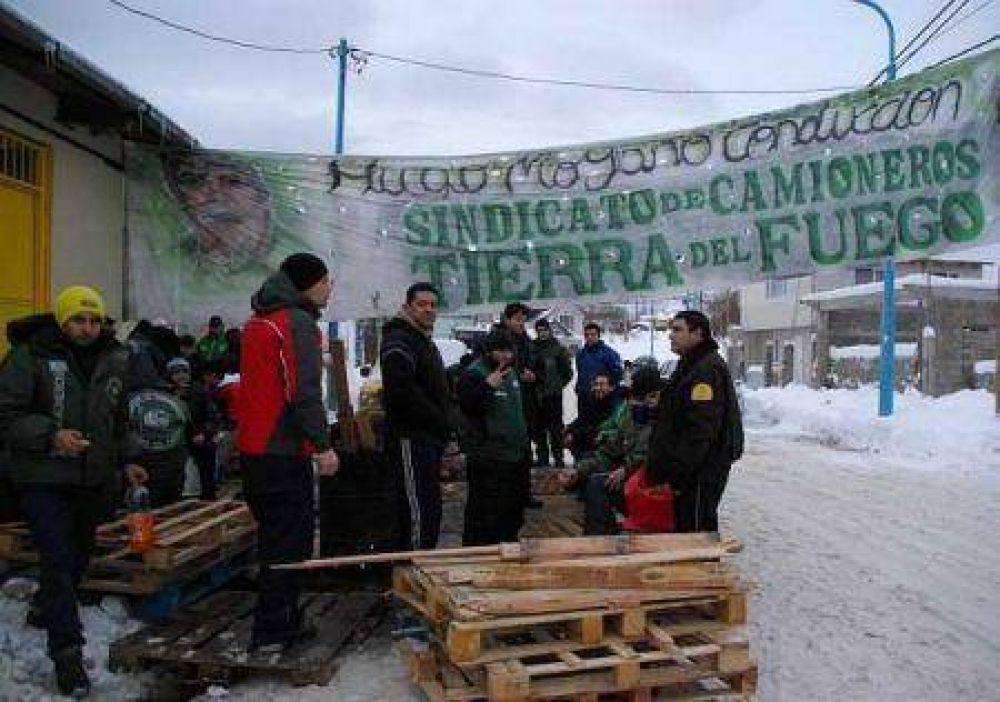 Camioneros bloquearán el tránsito en el paso fronterizo San Sebastián