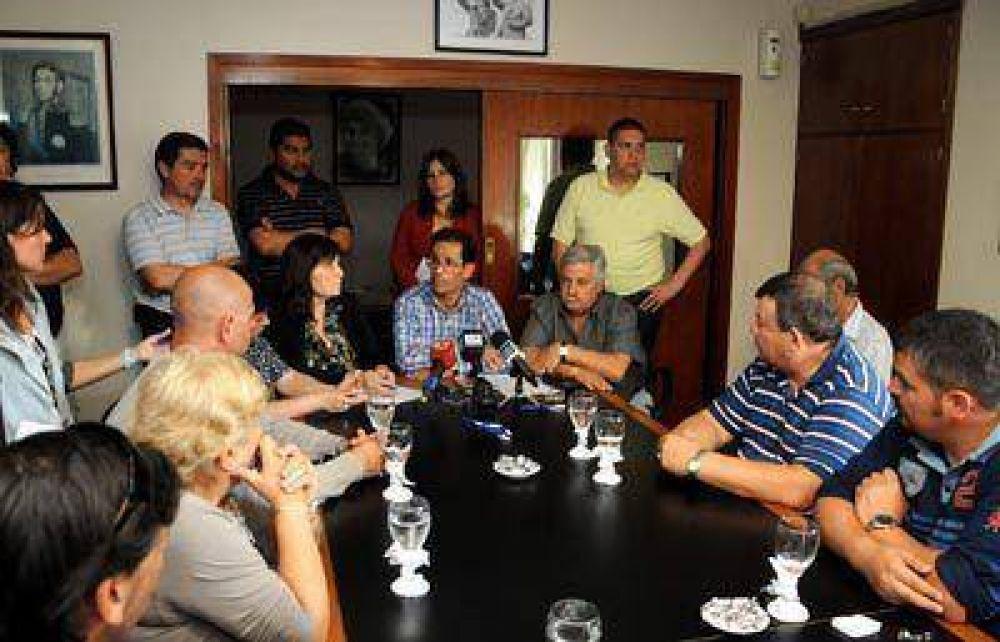 Una veintena de sindicatos y varias organizaciones sociales adhieren en la ciudad al paro nacional
