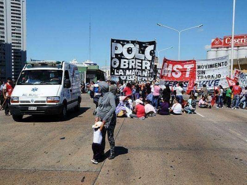 Arrancó el paro de los gremios opositores: marchan en Santa Rosa