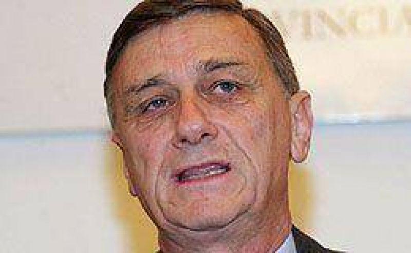 Binner pidió a Cristina suspender las retenciones y un nuevo sistema de coparticipación