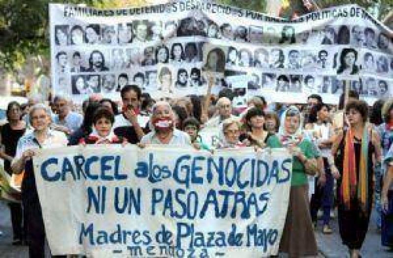 Sin Jaque, el Gobierno recordó a víctimas de la dictadura militar