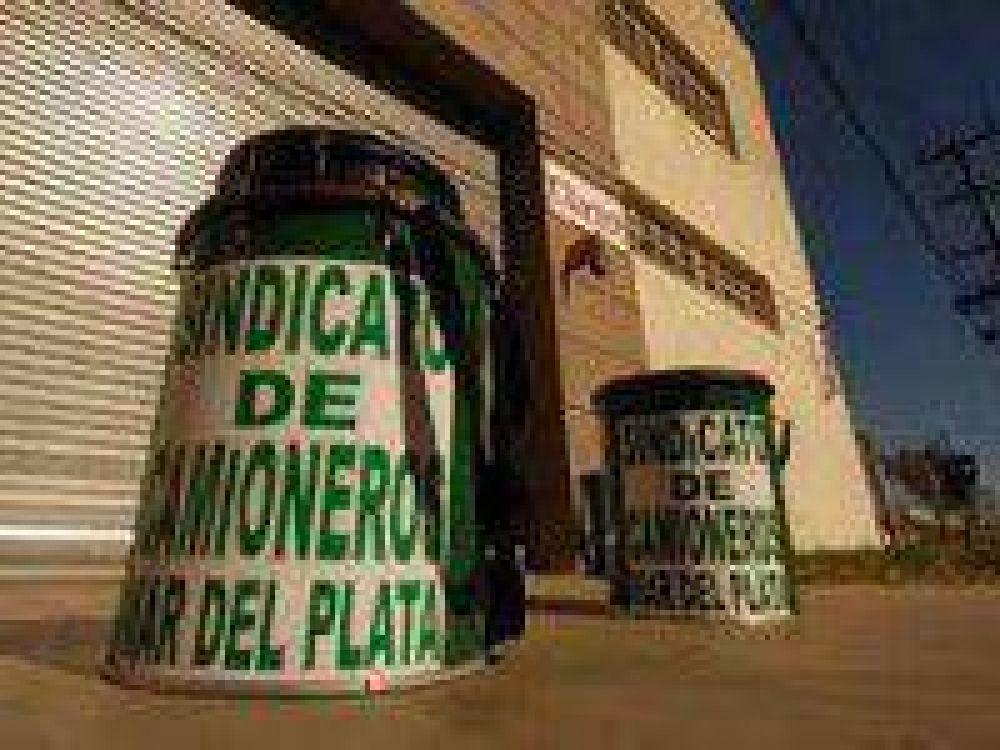De Simone aseguró que el paro en los camioneros es total en la ciudad de Mar de Plata y no se permite la carga y descarga de mercadería