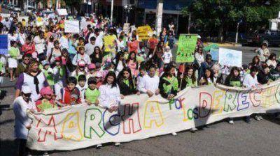 Más de 300 chicos en la Marcha por el Día Universal del Niño