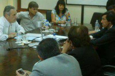 """Concejales buscan """"equilibrio y entendimiento"""" entre vecinos y necesidades de EJESA"""
