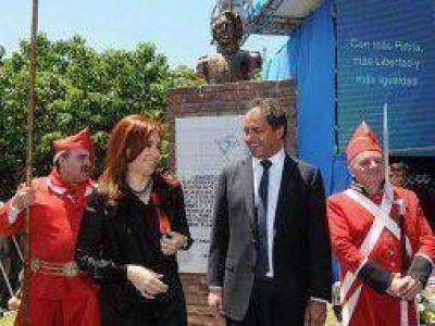 """Scioli elogió a Cristina: """"Qué razón tenía mi compañero Néstor cuando la llamaba la Presidenta Coraje"""""""
