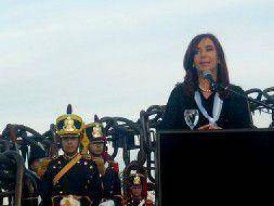 """#20N: Cristina aseguró en Vuelta de Obligado """"a mí no me corre nadie, menos con amenazas"""""""