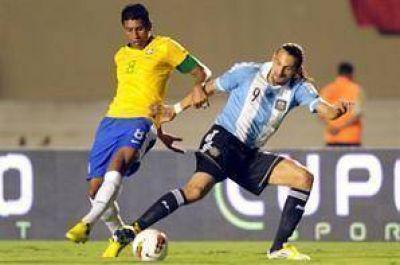 La Argentina cierra el año con el demorado capítulo ante Brasil