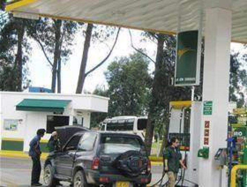 En el interior, aún no aumentó la nafta.