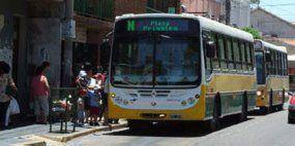 Transporte urbano: reclaman más frecuencias y limpieza en los colectivos