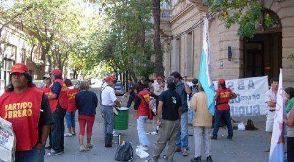 Manifestación frente a tribunales