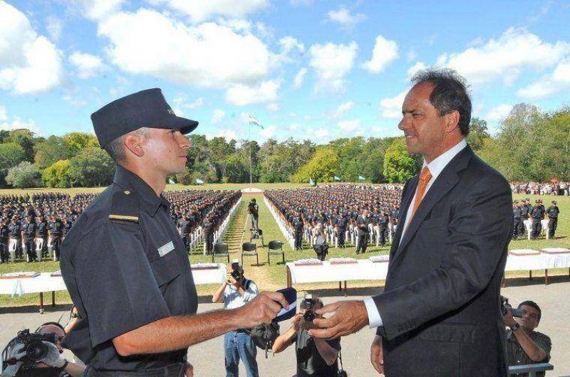 M�s de 1200 nuevos efectivos de la Polic�a destinados al conurbano