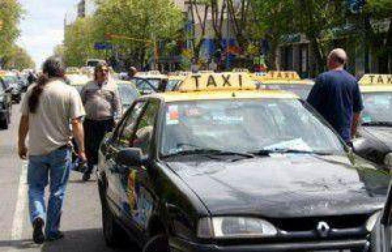 Taxistas no consiguieron aumentar la tarifa