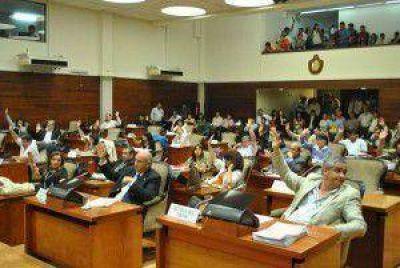 La Legislatura de Jujuy aprobó la designación de trece funcionarios judiciales y la cesión de tierras para el Parque Industrial en Perico