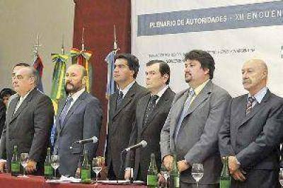 """""""No hay futuro sin integración"""", dijo Zamora al abrir la reunión de Zicosur"""