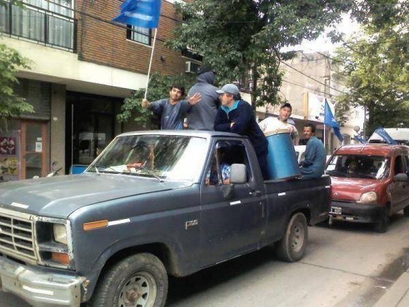 Trabajadores de ATE realizaron una caravana por la ciudad