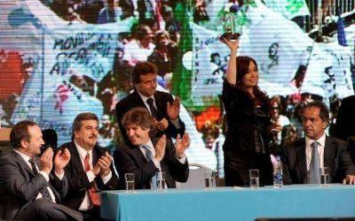 Pulti se posiciona como referente K de Mar del Plata, pero no evit� los silbidos de la militancia