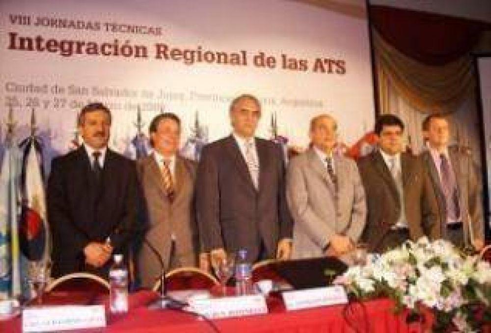 Deliberan en Jujuy funcionarios de hacienda del país analizando la actual crisis.