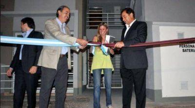Miguel Isa encabezó la entrega de 336 monoambientes