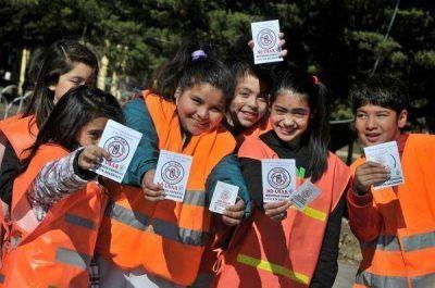 Alumnos de la Escuela 4 realizaron campa�a de concientizaci�n en Educaci�n Vial