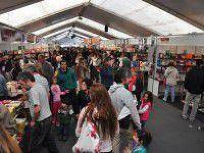 Por problemas de salud Osvaldo Bayer no estará en la Feria del Libro