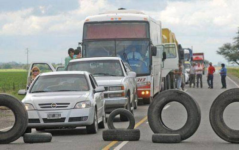 Los camioneros se quejan porque realizan menos viajes.