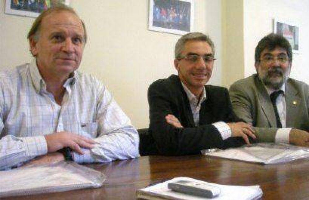 'Trabajamos para que Cobos sea candidato a presidente en el 2011'.