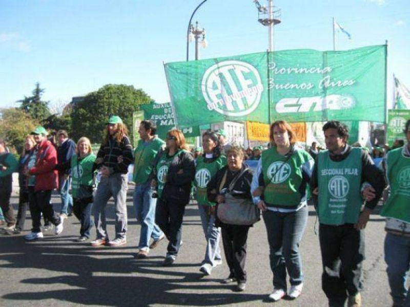 ATE Pilar - Exaltación de la Cruz se moviliza para pedir mejoras para los trabajadores municipales