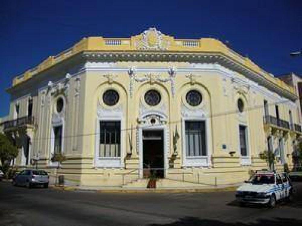 Empleados del Concejo Deliberante reclaman pago de premio a la Municipalidad